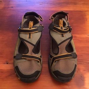 Teva Stealth shoes 13